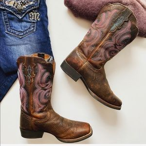 Justin Cowgirl Boots With NiceColor Stitching
